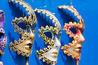 Italie, Vénétie, Venise,  Lagune de Venise, Île de Torcello,: Souvenirs touristiques: Masques de carnaval    // Italy, Veneto, Venice,  Venetian Lagoon, Torcello island