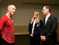 Bob Bradley visits with the U.S. Embassy's chargé d'affaires, Robert Blau, and his wife, Carmen at the U.S. Embassy in El Salvador on March 27, 2009.