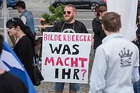 """Bilderberg-Treffen in Dresden.<br /> Verschiedene Rechte, Nazis, Pegida-Teilnehmer und Anhaenger von Verschwoerungstheorien protestierten am Samstag den 11. Juni 2016 in Dresden gegen ein Treffen der sog. """"Bilderberger"""" im Taschenberg Palais. Bei diesem Treffen, das seit 1954 stattfindet, versammeln sich Regierungenangehoerige, Mitglieder wichtiger Think-Tanks und Industrielle verschiedener westlicher Staaten zu einem geheimen Treffen um sich auszutauschen. Ergebnisse dieser Treffen werden nicht veroeffentlicht.<br /> Im Bild: Kundgebung der rechten Gruppe Endgame.<br /> 11.6.2016, Dresden<br /> Copyright: Christian-Ditsch.de<br /> [Inhaltsveraendernde Manipulation des Fotos nur nach ausdruecklicher Genehmigung des Fotografen. Vereinbarungen ueber Abtretung von Persoenlichkeitsrechten/Model Release der abgebildeten Person/Personen liegen nicht vor. NO MODEL RELEASE! Nur fuer Redaktionelle Zwecke. Don't publish without copyright Christian-Ditsch.de, Veroeffentlichung nur mit Fotografennennung, sowie gegen Honorar, MwSt. und Beleg. Konto: I N G - D i B a, IBAN DE58500105175400192269, BIC INGDDEFFXXX, Kontakt: post@christian-ditsch.de<br /> Bei der Bearbeitung der Dateiinformationen darf die Urheberkennzeichnung in den EXIF- und  IPTC-Daten nicht entfernt werden, diese sind in digitalen Medien nach §95c UrhG rechtlich geschuetzt. Der Urhebervermerk wird gemaess §13 UrhG verlangt.]"""
