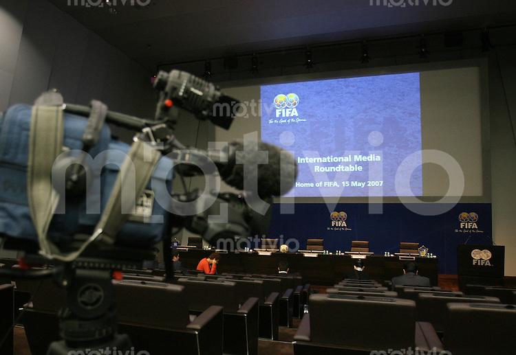 Fussball International FIFA Roundtable mit FIFA-Praesident Joseph S. BLATTER