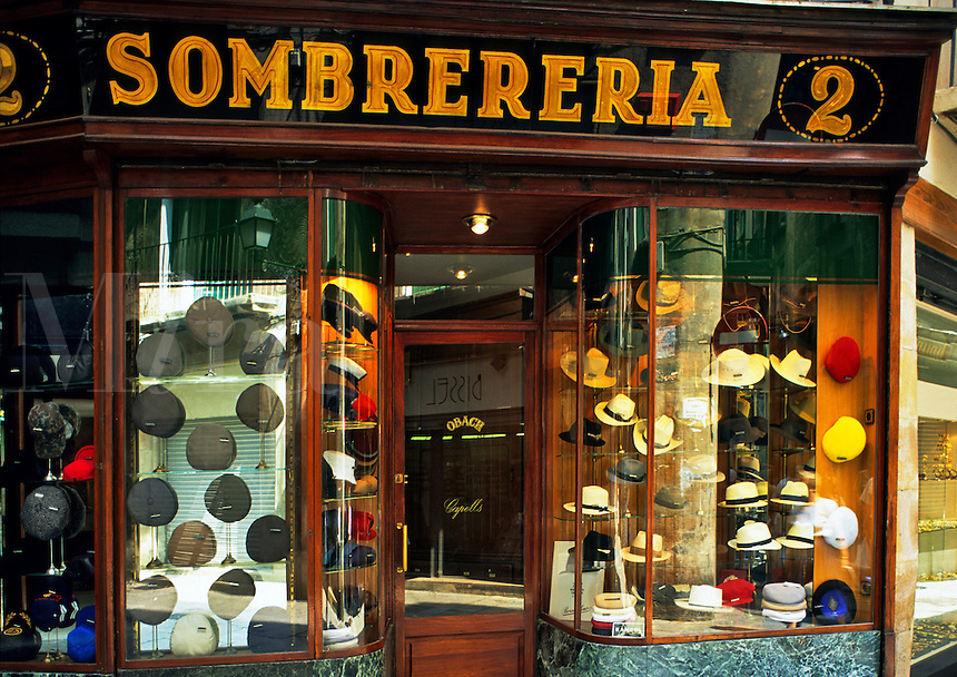 Spain. Barcelona.  Hat shop. Sombrereria.