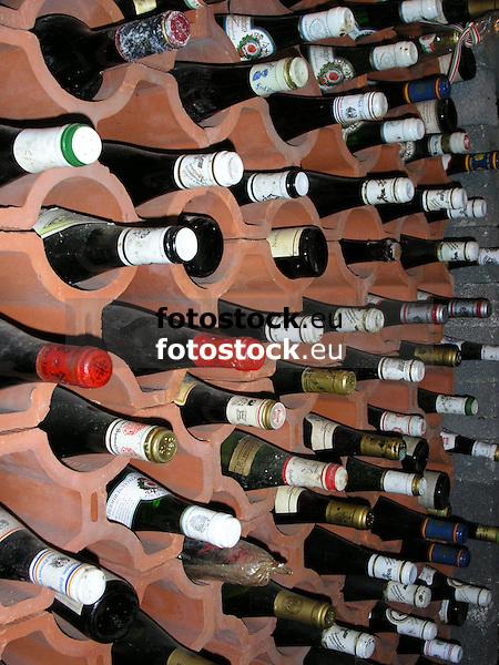 wine cellar<br /> <br /> bodega<br /> <br /> Weinkeller<br /> <br /> 1600 x 1200 px