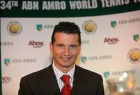 10-1-07,Rotterdam, Tennis , abnamro persconferentie, Richard Krajicek geeft uitleg over het spelersveld