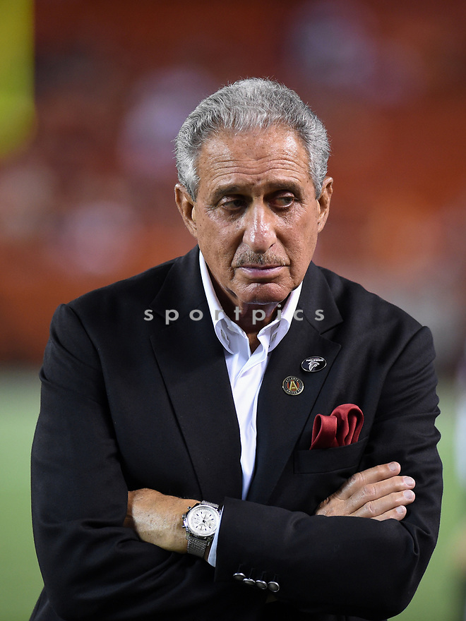CLEVELAND, OH - AUGUST 18, 2016: Owner Arthur Blank of the Atlanta Falcons stands on the sideline in the fourth quarter of a preseason game on August 18, 2016 against the Cleveland Browns at FirstEnergy Stadium in Cleveland, Ohio. Atlanta won 24-13.  (Photo by: 2016 Nick Cammett/Diamond Images) *** Local Caption *** Arthur Blank