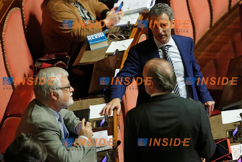 Luis alberto Orellana, Lorenzo Battista e Vittorio Fravezzi<br /> Roma 19-04-2016 Senato. Mozione di sfiducia al Governo da parte del Movimento 5 Stelle, della Lega Nord  di Forza Italia.<br /> Photo Samantha Zucchi Insidefoto