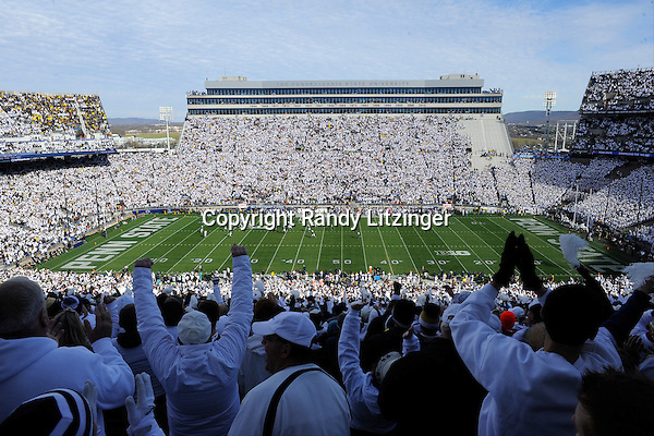 21 November 2015:    Fans cheer during a long gain during the whole stadium white out or white house in Beaver Stadium. The Michigan Wolverines defeated the Penn State Nittany Lions 28-16 at Beaver Stadium in State College, PA. (Photo by Randy Litzinger/Icon Sportswire)