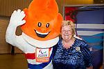 Nederland, Amsterdam, 4 juli 2012.Seizoen 2012/2013.NOC NSF het Olympic en Paralympic Team Netherlands.Erica Terpstra met de Olympische vlag Mascotte