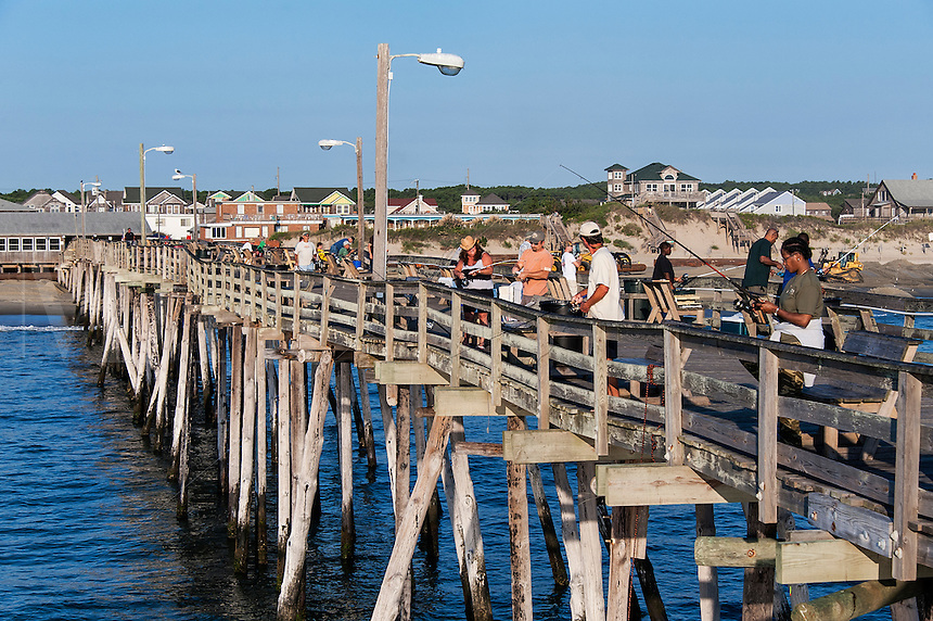 Fishing pier, Nags Head, Outer Banks, North Carolina, USA