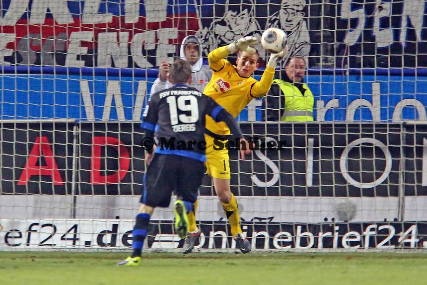 MArkus Ziereis (FSV) scheitert an Patrick Platins (Bielefeld) - FSV Frankfurt vs. Arminia Bielefeld, Frankfurter Volksbank Stadion
