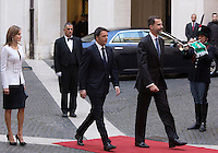Il Presidente del Consiglio Matteo Renzi accoglie il Re di Spagna Filippo VI e la Regina Letizia a Palazzo Chigi, Roma, 19 novembre 2014.<br /> Italian Premier Matteo Renzi, center, welcomes Spain's King Felipe VI and Queen Letizia at Chigi Palace, Rome, 19 <br /> UPDATE IMAGES PRESS/Riccardo De Luca