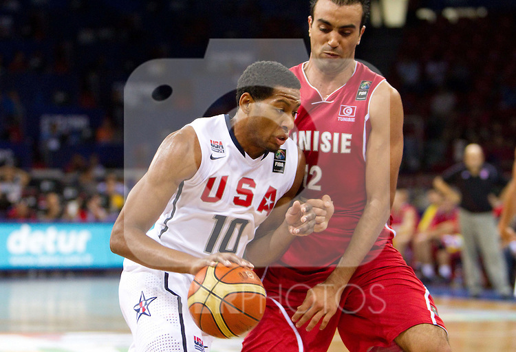 02.09.2010, Abdi Ipekci Arena, Istanbul, TUR, 2010 FIBA World Championship, USA vs Tunisia, Im Bild Danny Granger of USA vs Macram Ben Romdhane of Tunisia during  the Preliminary Round - Group B basketball match between National teams of USA and Tunisia. EXPA Pictures © 2010, PhotoCredit: EXPA/ Sportida/ Vid Ponikvar *** ATTENTION *** SLOVENIA OUT!