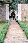 Visite dans&eacute;e au Parc Jean-Jacques Rousseau<br /> <br /> Conception et chor&eacute;graphie : Aur&eacute;lie Gandit<br /> Interpr&eacute;tation : Sylvain Ri&eacute;jou<br /> Cadre : Serpentines<br /> Lieu : Parc Jean Jacques Rousseau<br /> Ville : Ermenonville<br /> Date : 29/09/2013<br /> &copy; Laurent Paillier / photosdedanse.com