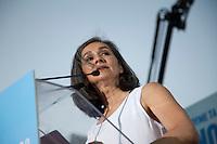 Elezioni in Grecia. Manifestazione finale di Syriza prima delle elezioni legislative, 14 giugno a Atene in piazza Omonia. Primo piano dell'ex lanciatrice di giavellotto Sofia Sakorafa,     supporter di Syriza, ex deputato Pasok.