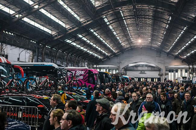 lots of fans showed up at the race start. <br /> <br /> 75th Omloop Het Nieuwsblad 2020 (BEL)<br /> Men Elite Race<br /> Gent – Ninove: 200km<br /> <br /> ©kramon