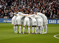 Pictured: Swansea players huddle before kick off. Sunday 24 February 2013<br /> Re: Capital One Cup football final, Swansea v Bradford at the Wembley Stadium in London.