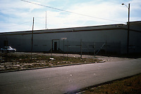 1992 January..Conservation.MidTown Industrial..BUSINESSES.AMERICAN BLASTING MATERIALS.737 EAST 23RD STREET.LOOKING SOUTHWEST...NEG#.NRHA#..