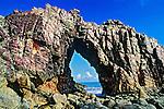 Pedra Furada em Jericoacoara, Ceará. 1993. Foto de Juca Martins.