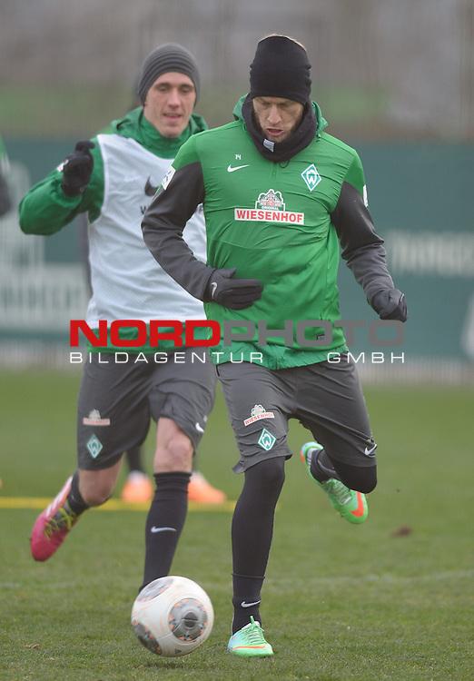 25.01.2014, Trainingsgelaende, Bremen, GER, 1.FBL, Training Werder Bremen, im Bild Aaron Hunt (Bremen #14)<br /> <br /> Foto &copy; nordphoto / Frisch