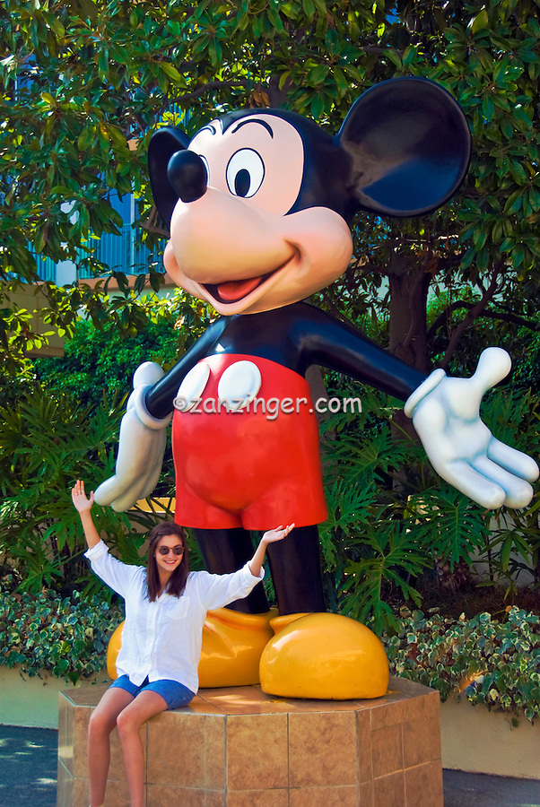 Mickey Mouse, Disneyland, Hotel, Resort, in Anaheim, California, USA, Mickey Mouse, Giant Statue, and, 17 year old, teen, Girl,  with, arms, wide open,