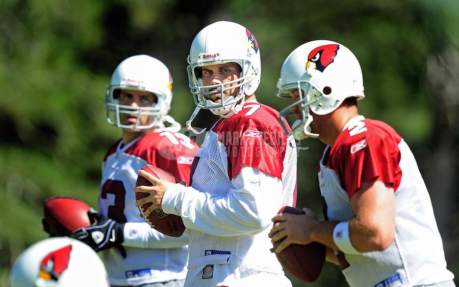 Jul 30, 2008; Flagstaff, AZ, USA; Arizona Cardinals quarterback (7) Matt Leinart (center) during training camp on the campus of Northern Arizona University. Mandatory Credit: Mark J. Rebilas-