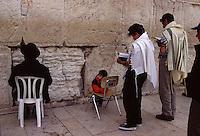 ISRAELE Gerusalemme Ebreiin preghiera al Muro del pianto