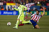 Atletico de Madrid´s Raul Garcia and Barcelona´s Luis Suarez during 2014-15 Spanish King Cup match between Atletico de Madrid and Barcelona at Vicente Calderon stadium in Madrid, Spain. January 28, 2015. (ALTERPHOTOS/Luis Fernandez) /nortephoto.com<br />