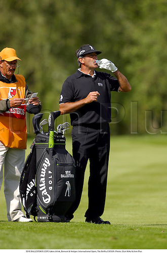 SEVE BALLESTEROS (ESP) takes drink, Benson & Hedges International Open, The Belfry 030509. Photo: Glyn Kirk/Action Plus...2003 golf golfer.drinking water