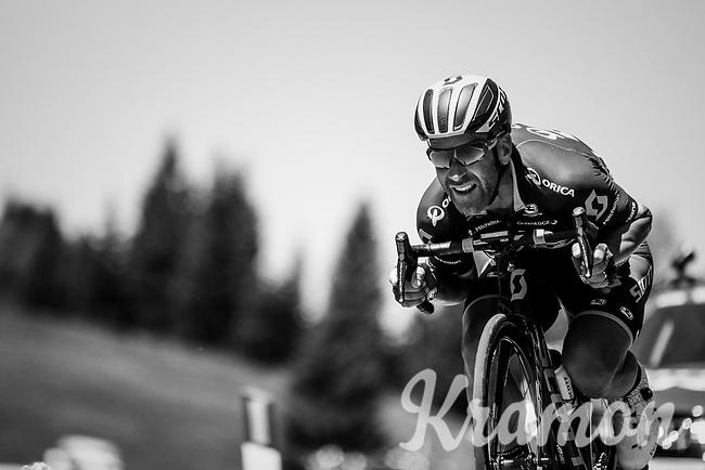 Svein Tuft (CAN/Orica-Scott) descending the Passo Monte Croce Comelico / Kreuzbergpass (1636m)<br /> <br /> Stage 19: San Candido/Innichen &rsaquo; Piancavallo (191km)<br /> 100th Giro d'Italia 2017