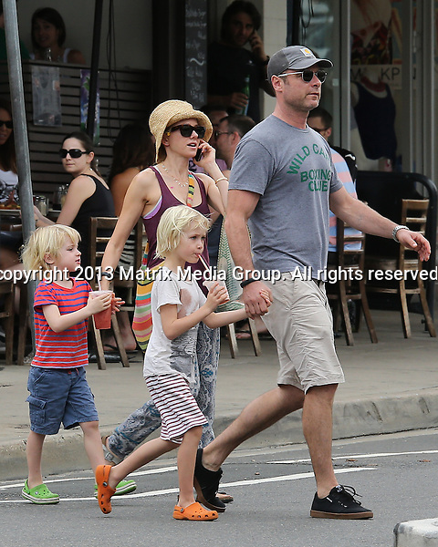 14 DECEMBER 2013 SYDNEY AUSTRALIA<br /> <br /> EXCLUSIVE <br /> <br /> Naomi Watts pictured  her husband Liev Schreiber and sons Alexander 'Sasha' and Samuel doing some grocery shopping in Coogee. <br /> <br /> *No internet without clearance*<br /> MUST CALL PRIOR TO USE .<br /> +61 2 9211-1088<br /> Matrix Media Group<br /> Note: All editorial images subject to the following: For editorial use only. Additional clearance required for commercial, wireless, internet or promotional use.Images may not be altered or modified. Matrix Media Group makes no representations or warranties regarding names, trademarks or logos appearing in the images.