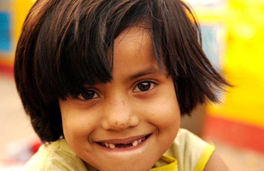 India, Calcutta / Kolkata, 2 maart 2005..Opvang voor straatmeisjes, Meisjes kunnen hier opvang, onderdak en onderwijs krijgen. ..Lokatie Loreto day school Sealdah.....Foto (c) Michiel Wijnbergh