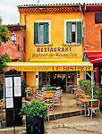 Photo of the restaurant Le Bistro in the village of Roussillon, Provence, France
