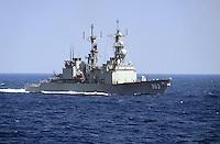 - US destroyer  Spruance in navigation in the Mediterranean sea....- il cacciatorpediniere USA Spruance in navigazione nel mar Mediterraneo