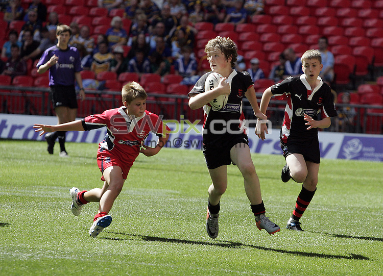 PICTURE BY VAUGHN RIDLEY/SWPIX.COM - Rugby League - Challenge Cup Final 2010 - Leeds v Warrington - Wembley Stadium, London, England - 28/08/10...Copyright - Simon Wilkinson - 07811267706...Carnegie Champion Schools Finals 2010 - Year 7 Boys Final.