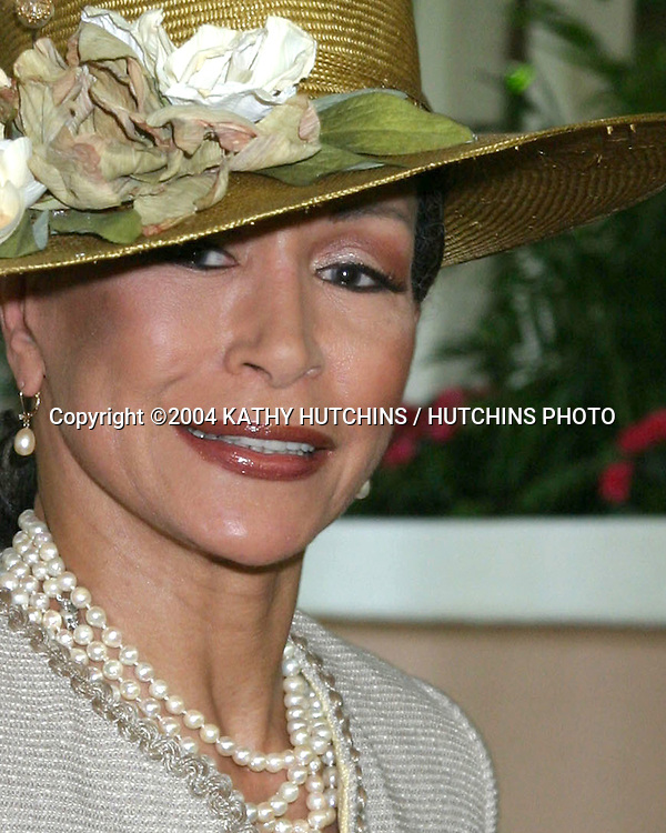 "©2004 KATHY HUTCHINS /HUTCHINS PHOTO.""TEA AT HIGH NOON"" BENEFITING.VICTORIA ROWELL'S CHARITY FOR FOSTER KIDS.BEVERLY HILLS, CA.MAY 16, 2004..FREIDA PAYNE"
