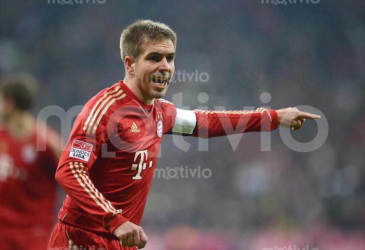 FUSSBALL   1. BUNDESLIGA  SAISON 2012/2013   15. Spieltag FC Bayern Muenchen - Borussia Dortmund     01.12.2012 Philipp Lahm (FC Bayern Muenchen)