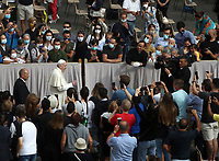 Pope Francis greets faithful as he arrives to hold the first limited public audience at the San Damaso courtyard in The Vatican on September 2, 2020 during the COVID-19 infection, caused by the novel coronavirus.<br /> UPDATE IMAGES PRESS/Isabella Bonotto<br /> <br /> STRICTLY ONLY FOR EDITORIAL USE