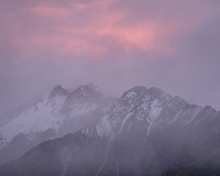Dusk over Burnett Mountains with fresh snowfall, Aoraki Mount Cook National Park, UNESCO World Heritage Area,  Mackenzie Country, New Zealand, NZ