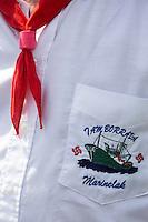 France, Aquitaine, Pyrénées-Atlantiques, Pays Basque, Ciboure:  La Tamborrada Mariñelak de Ciboure, tambourinade des pêcheurs  - Thonier canneur brodé sur la poche de chemise  //  France, Pyrenees Atlantiques, Basque Country, Ciboure: The Tamborrada Mariñelak Ciboure, fishermen drums, Tuna pole and line embroidered on the shirt pocket [Non destiné à un usage publicitaire - Not intended for an advertising use]