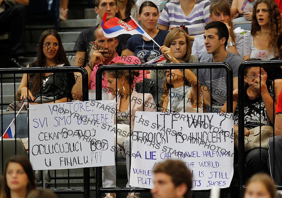 Tennis Tenis<br /> Davis Cup semifinal polufinale<br /> Serbia v Canada<br /> Novak Djokovic v Milos Raonic<br /> Serbia fans supporters navijaci<br /> Beograd, 15.09.2013.<br /> foto: Srdjan Stevanovic/Starsportphoto &copy;