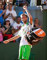 23-05-11, Tennis, France, Paris, Roland Garros, Thomas Schoorel zwaait naar zijn fans, hij plaatst zich voor de tweede ronde van zijn eerste Grandslam