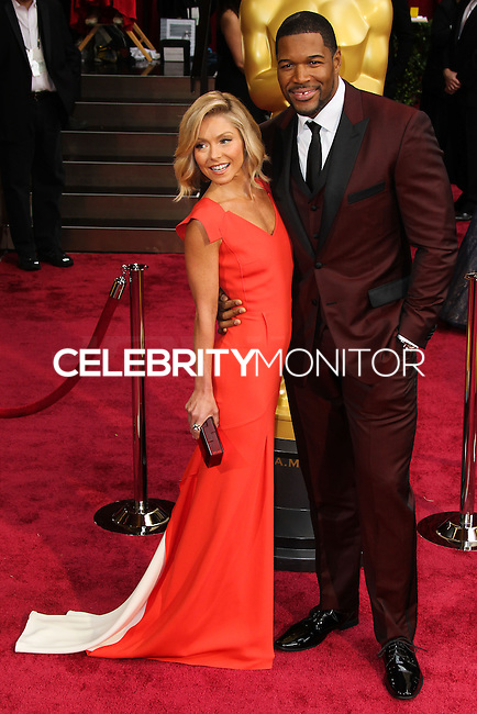 HOLLYWOOD, LOS ANGELES, CA, USA - MARCH 02: Kelly Ripa, Michael Strahan at the 86th Annual Academy Awards held at Dolby Theatre on March 2, 2014 in Hollywood, Los Angeles, California, United States. (Photo by Xavier Collin/Celebrity Monitor)