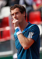 Britain's Andy Murray reacts i during their Davis Cup quarter-final tennis match  against Italy's Andreas Seppi in Naples April 5, 2014.