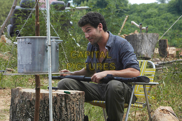 JON BERNTHAL.in The Walking Dead .*Filmstill - Editorial Use Only*.CAP/FB.Supplied by Capital Pictures.
