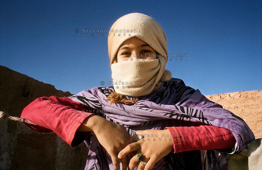 The Saharawi refugee camp  Ausserd ..Sahrawi girl.January 2008