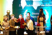 SAO BERNARDO DO CAMPO, SP, 04.12.2013 -  A Presidente Dilma Rousseff e o Ex Presidente Lula, Dona Marisa participa solenidade de entrega do título de doutor honoris causa para o Presidente Lula Local: Bloco Beta Universidade Federal do ABC. Foto: Adriano Lima / Brazil Photo Press).