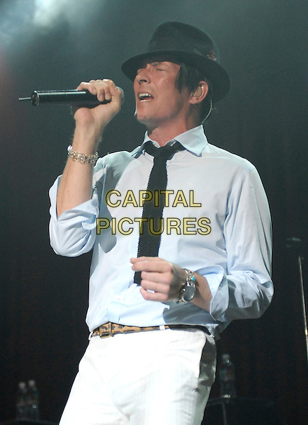 SCOTT WEILAND.performs live during his solo tour at HOB Anaheim in Anaheim, California, USA, May 23rd 2009..music concert gig show on stage performing half length black hat shirt tie white trousers microphone singing                                                            .CAP/DVS.©DVS/RockinExposures/Capital Pictures