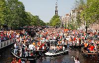 Koningsdag op de Prinsengracht in Amsterdam
