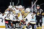Stockholm 2013-12-07 Ishockey Elitserien AIK - Skellefte&aring; AIK :  <br /> Skellefte&aring;s Joakim Lindstr&ouml;m gratuleras av lagkamrater efter sitt 1-0 m&aring;l<br /> (Foto: Kenta J&ouml;nsson) Nyckelord:  AIK Skellefte&aring; SAIK jubel gl&auml;dje lycka glad happy