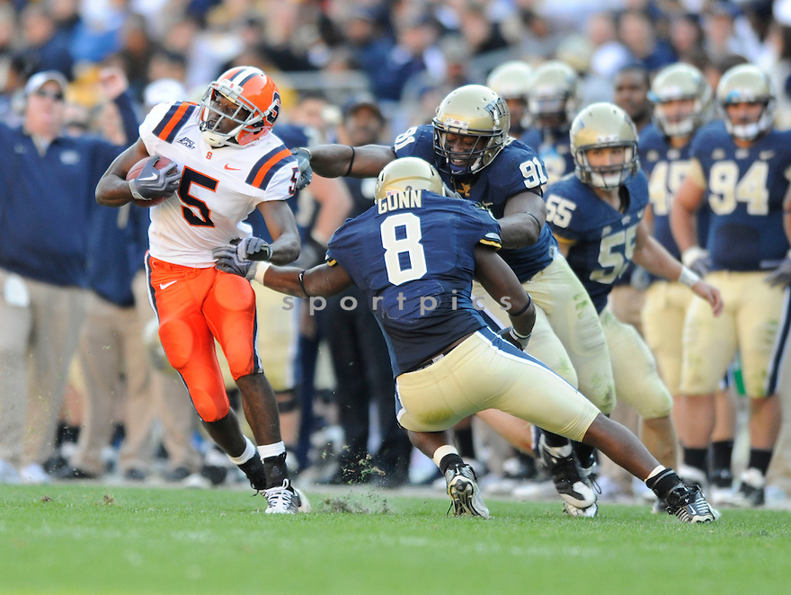 MARCUS SALES, of the Syracuse Orangemen in action during the Orangemens game against the Pittsburgh Panthers on November 7, 2009 in Pittsburgh, PA. Panthers won 37-10.
