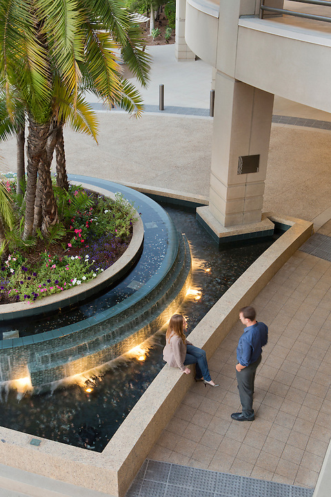 The Schmidt Design Group has re-tooled the Sharp Mary Birch Hospital main entry: the porte-cochère now wraps around a soothing water detail.